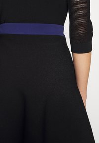 KARL LAGERFELD - COLORBLOCK SKIRT - Áčková sukně - black - 4