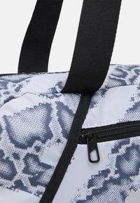 Puma - GRIP BAG 25 L - Sports bag - puma white-untamed - 4