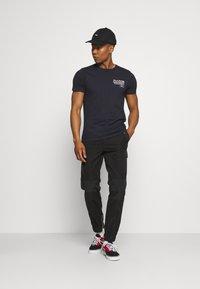 Brave Soul - T-shirt med print - blue - 1