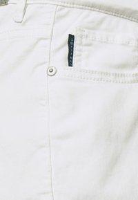 Supermom - Shorts vaqueros - white denim - 2