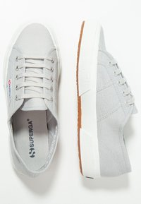 Superga - 2750 COTU CLASSIC UNISEX - Sneakersy niskie - grey ash - 1
