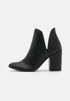 RAVIN - Ankelstøvler - black paris