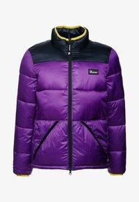 WALKABOUT - Zimní bunda - purple magic