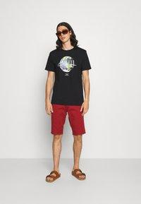 CLOSURE London - EARTH TEE - T-shirt imprimé - black - 1