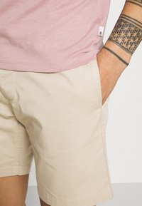 edc by Esprit - Shorts - light beige - 4