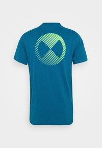 Nike Performance - TEE - Printtipaita - green abyss - 7