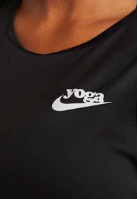 Nike Performance - YOGA TANK KEYHOLE - Funkční triko - black/vast grey - 5
