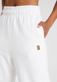 Nike Performance - HERITAGE PANT - Trainingsbroek - white - 4