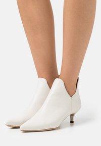 Unisa - JORCA - Ankle boots - ivory - 0