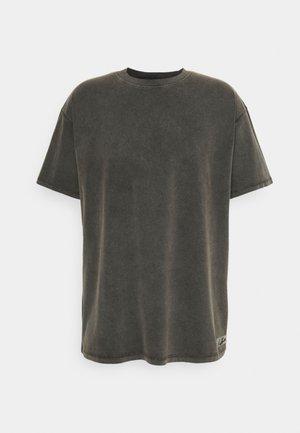 ESSENTIALS - T-shirt basique - acid wash