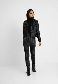 Even&Odd Tall - Sweter - black - 1