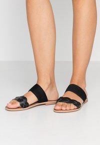 New Look - FLAMINGO - Pantofle - black - 0