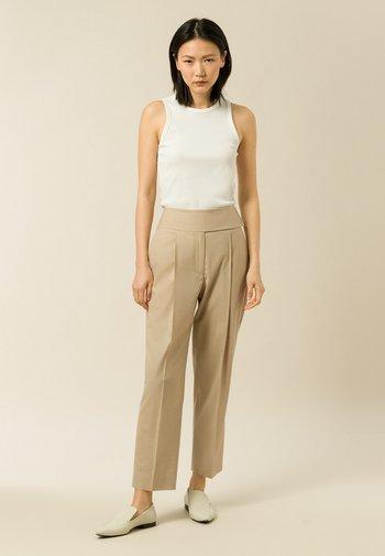 PHOEBE  - Spodnie materiałowe - silver fern