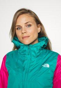 The North Face - WOMENS FANORAK - Windjack - flame orange/jaiden green/mr pink - 3
