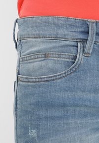 INDICODE JEANS - KADEN - Shorts vaqueros - blue wash - 4