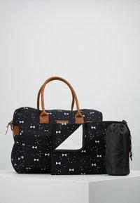 Kidzroom - DIAPERBAG - Baby changing bag - black - 5