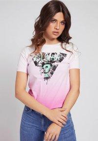 Guess - LOGODREIECK - Print T-shirt - rose - 0