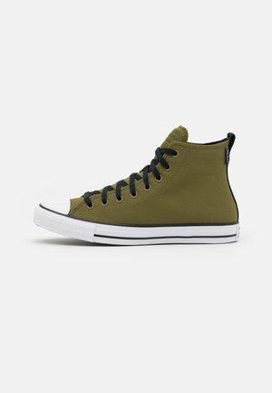 CHUCK TAYLOR ALL STAR UNISEX - Sneakers alte - dark moss/white/black