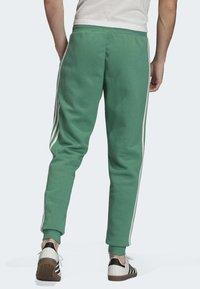 adidas Originals - 3-STRIPES JOGGERS - Trainingsbroek - turquoise - 2