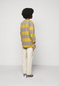 Han Kjøbenhavn - BOXY TEE - Long sleeved top - yellow - 2