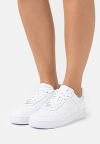 Nike Sportswear - AIR FORCE 1 - Sneakers laag - white - 0