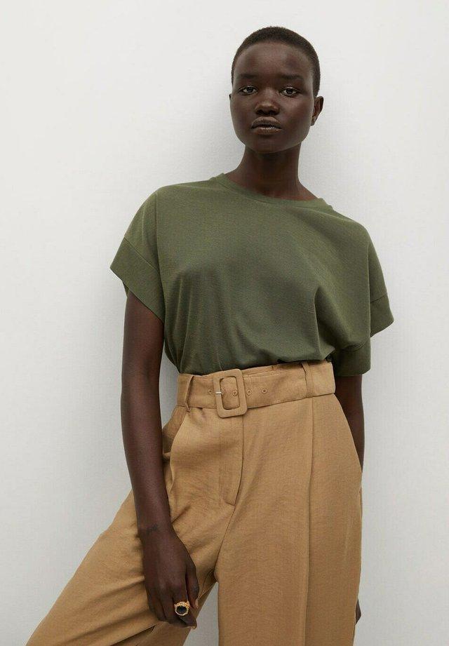 LIRIA - T-shirt basic - kaki