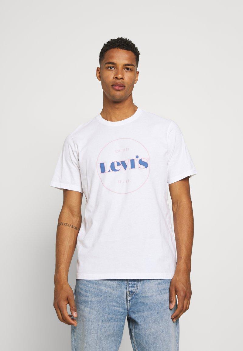 Levi's® - FIT TEE - Print T-shirt - neutrals