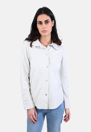 ANAE - LEATHER SHIRT - Koszula - white
