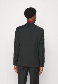 Calvin Klein Tailored - TROPICAL STRETCH SUIT - Suit - black - 2