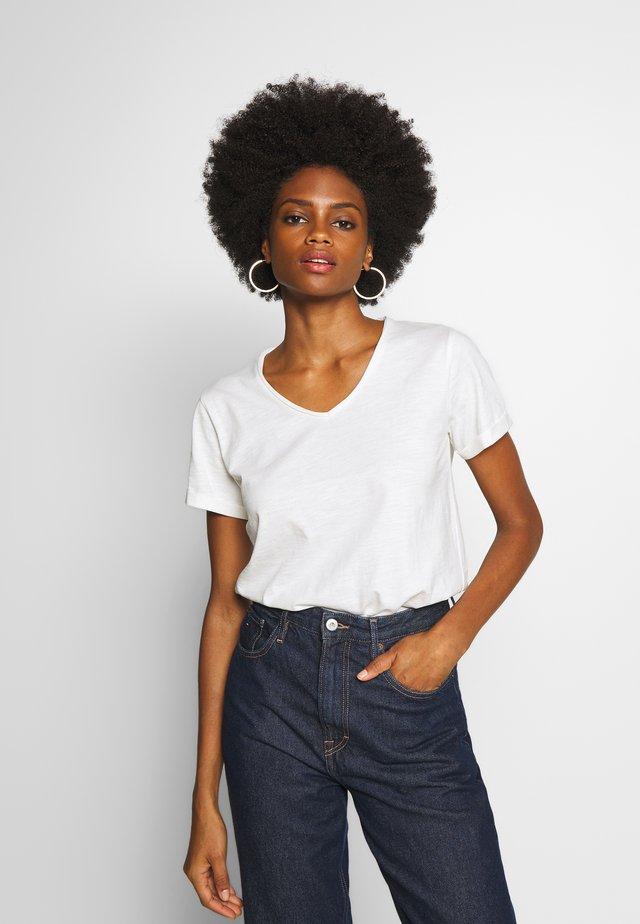 BABETTE - T-shirt basique - offwhite