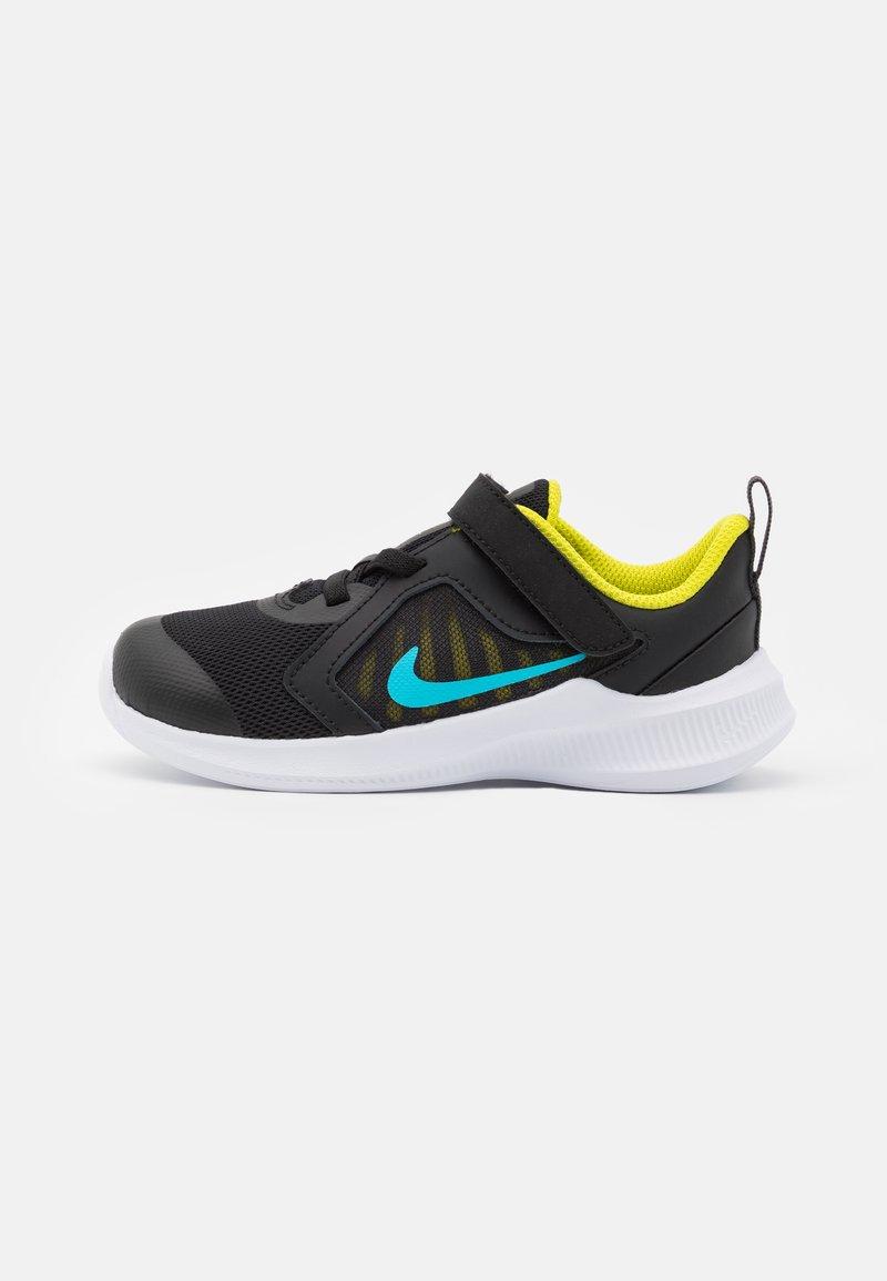 Nike Performance - DOWNSHIFTER 10 UNISEX - Hardloopschoenen neutraal - black/chlorine blue/high voltage/dark smoke grey/white