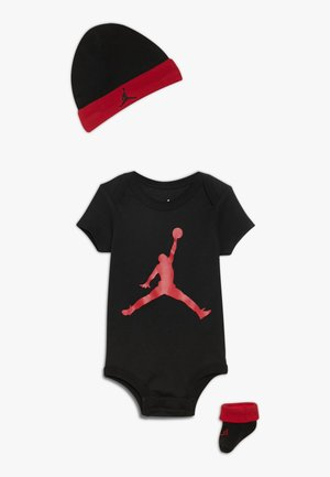 JUMPMAN HAT BOOTIE SET - Muts - black/gym red