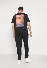 Blend - SWEATPANTS - Pantaloni sportivi - black - 2
