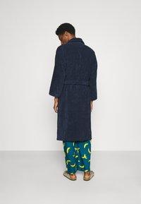 Lousy Livin Underwear - BATHROBE PYJAMA PANTS BANANAS SET - Župan - blue - 2