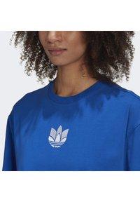 adidas Originals - ADICOLOR 3D TREFOIL T-SHIRT - T-Shirt print - blue - 5