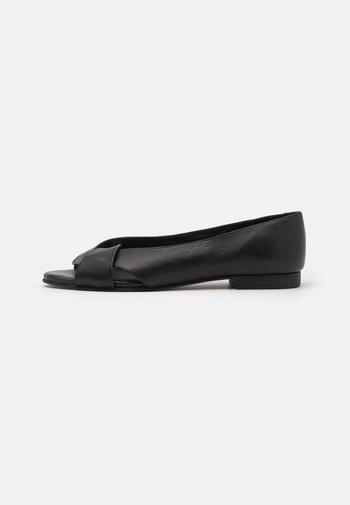 SIKA - Sandały - black