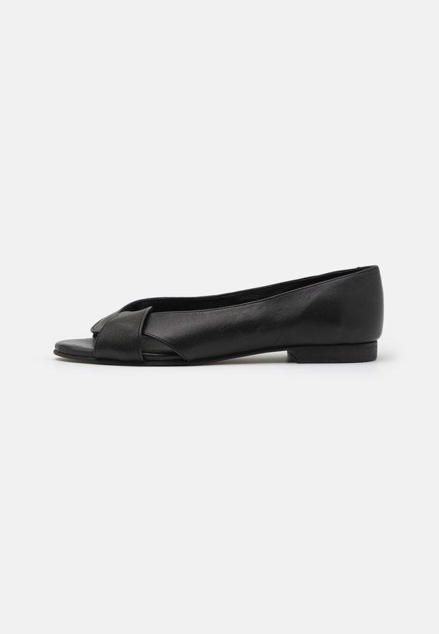 SIKA - Sandaler - black
