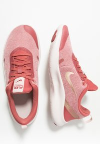 Nike Performance - FLEX EXPERIENCE RN 8 - Minimalist running shoes - light redwood/metallic red bronze/echo pink/light soft pink - 1