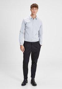 Jack & Jones PREMIUM - Shirt - grey melange - 1