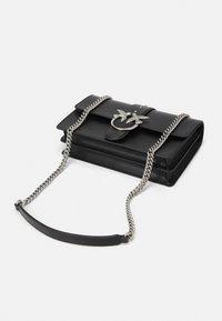 Pinko - LOVE CLASSIC ICON SIMPLY OLD - Across body bag - black - 3