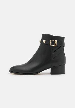 BRITTON  - Kotníkové boty - black