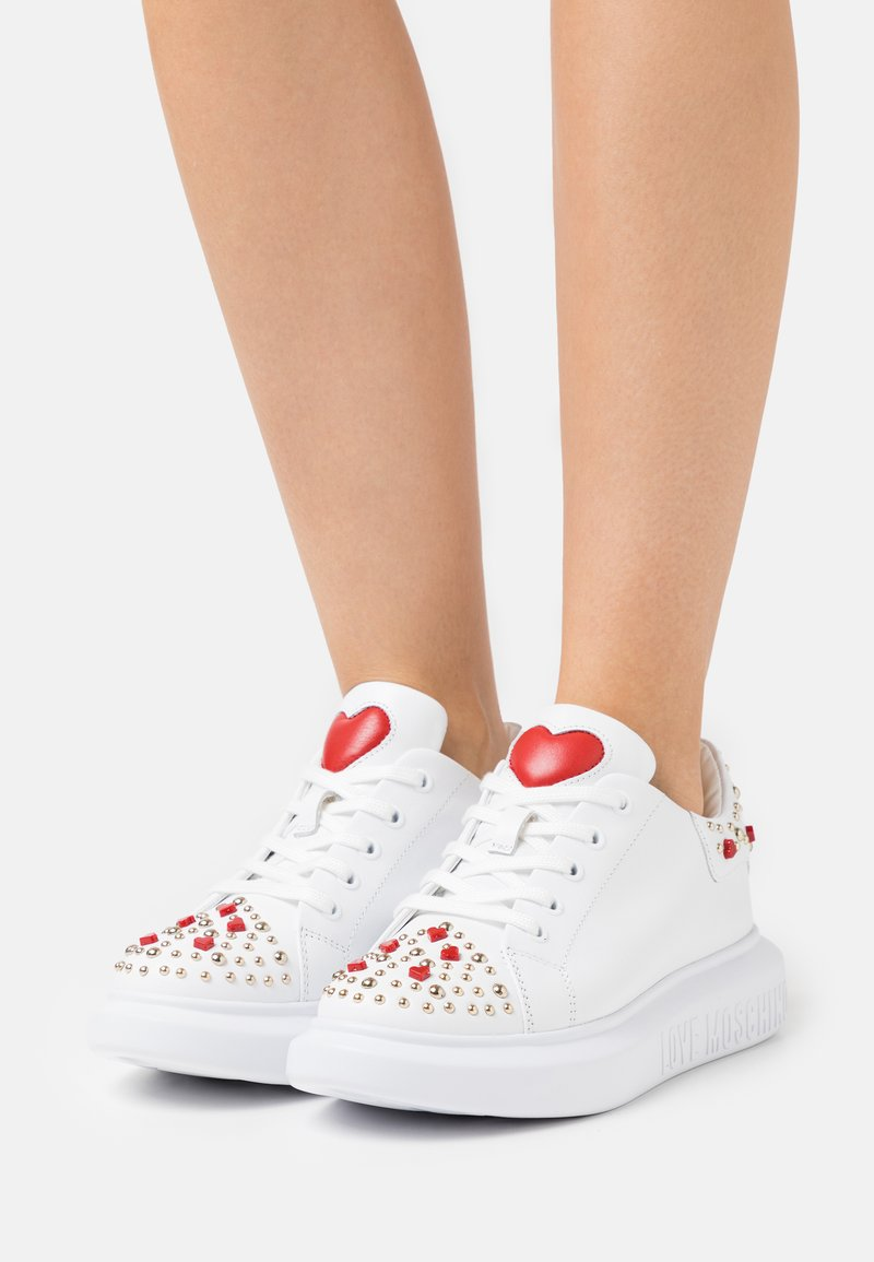 Love Moschino - Sneakersy niskie - bianco