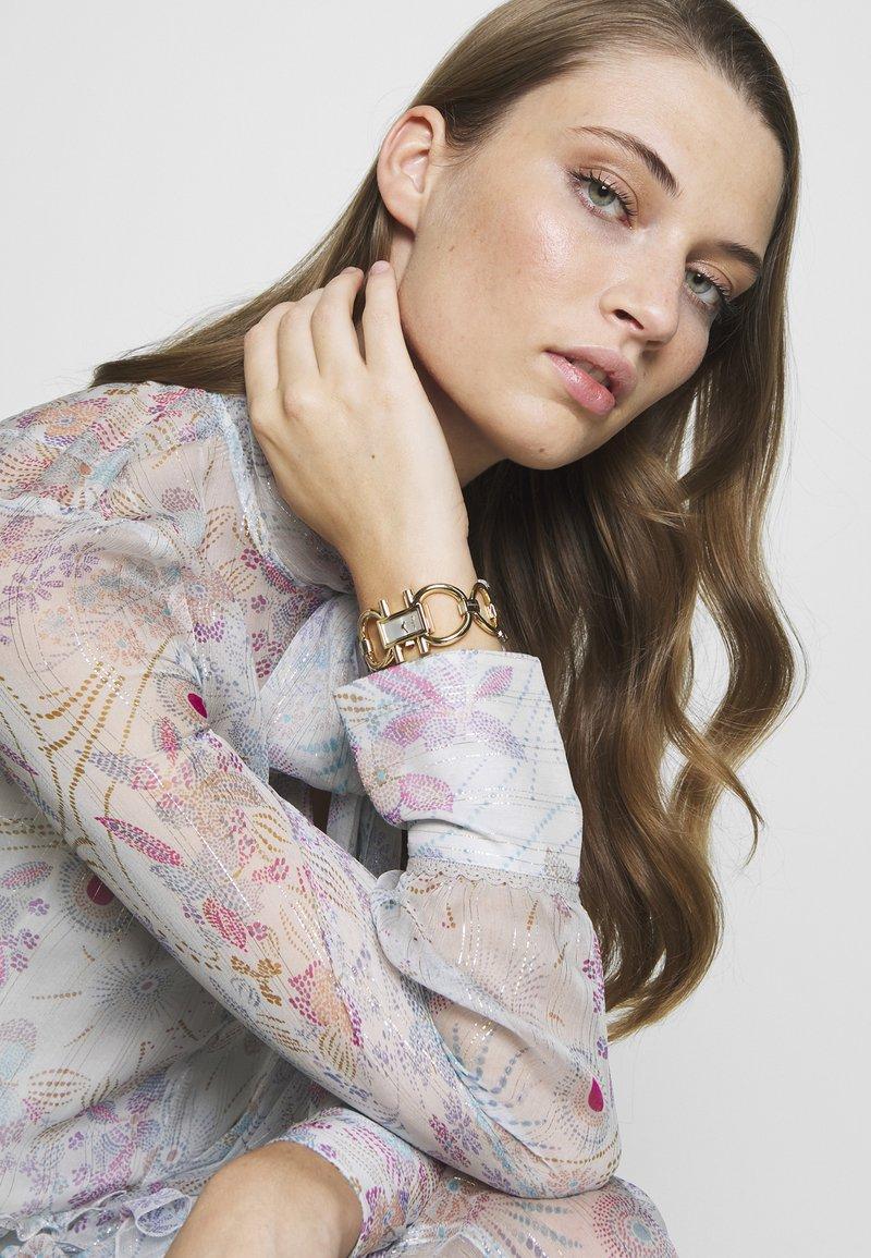 Salvatore Ferragamo - DOUBLE GANCINI WOMEN BRACELET - Watch - gold-coloured