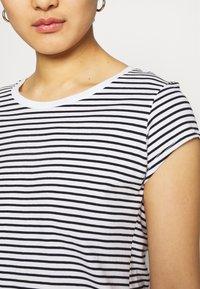 Mads Nørgaard - ORGANIC FAVORITE STRIPE TEASY - Print T-shirt - white/black - 3