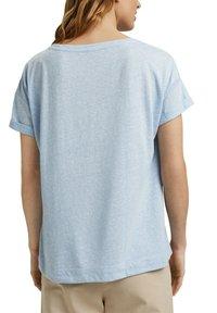 Esprit - PER COO CLOUDY - Basic T-shirt - light blue - 5