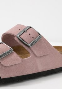 Birkenstock - ARIZONA - Slippers - lavender blush - 2
