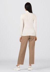HALLHUBER - Long sleeved top - creme - 2