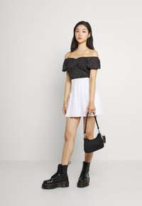 Miss Selfridge - SPOT CROP MILKMAID BLOUSE - Print T-shirt - black - 1