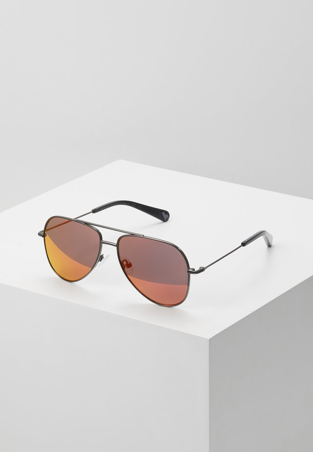SUNGLASS KID  - Sunglasses - ruthenium/red