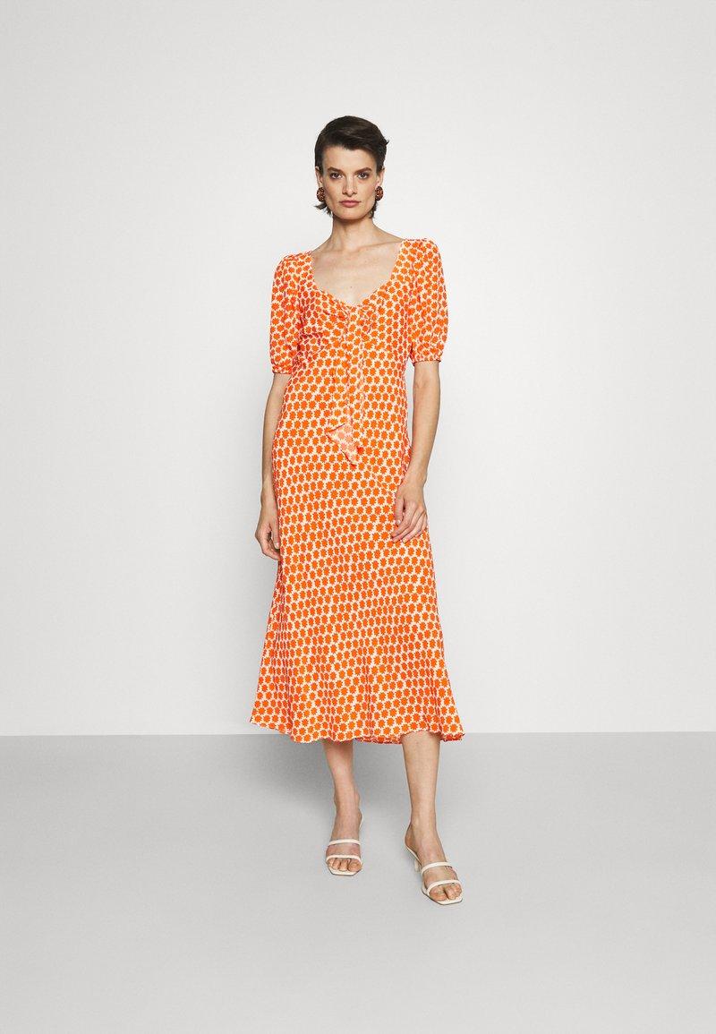 Diane von Furstenberg - TEAGAN DRESS - Day dress - tomato red